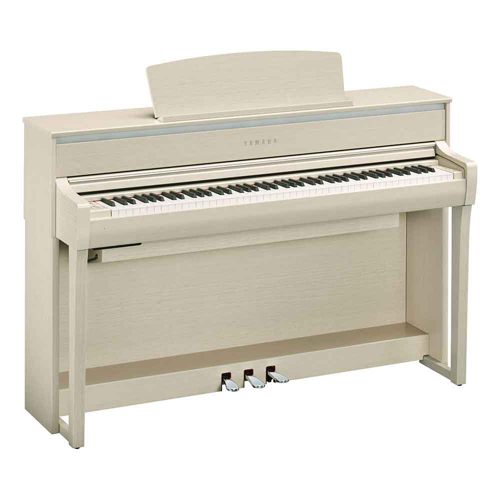 Yamaha CLP675 Digital Piano in White Ash