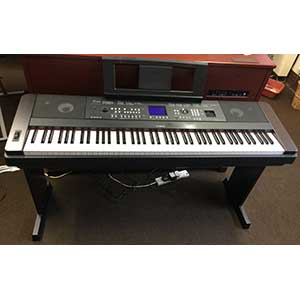 Yamaha Pre-Owned DGX650 Digital Piano in Black