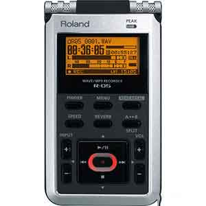 Roland R05 Digital Recorder in Black and Silver